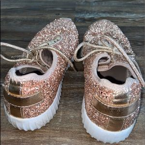 Shoes - Gold glitter tennis shoes
